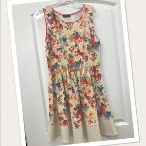 trac Dresses - Floral printed dress NWOT